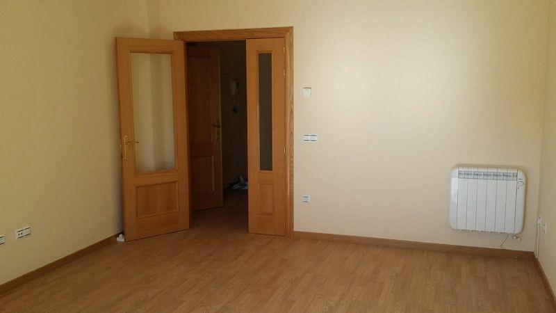 Piso en venta en Ávila, Ávila, Avenida de los Derechos Humanos, 94.000 €, 3 habitaciones, 1 baño, 85 m2