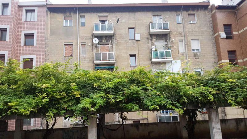 Piso en venta en Lasesarre, Barakaldo, Vizcaya, Calle Letxezar, 107.500 €, 3 habitaciones, 1 baño, 50 m2