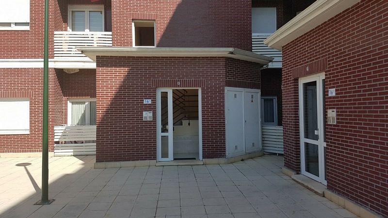 Piso en venta en Barcena de Cicero, Bárcena de Cicero, Cantabria, Urbanización los Jardines, 94.000 €, 2 habitaciones, 1 baño, 65,66 m2