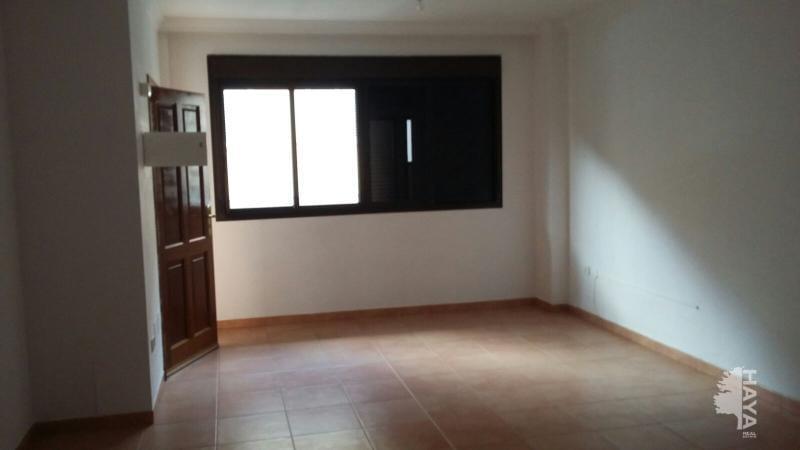 Piso en venta en Cuesta de la Villa, Santa Úrsula, Santa Cruz de Tenerife, Calle Cupreso, 103.000 €, 3 habitaciones, 2 baños, 124 m2