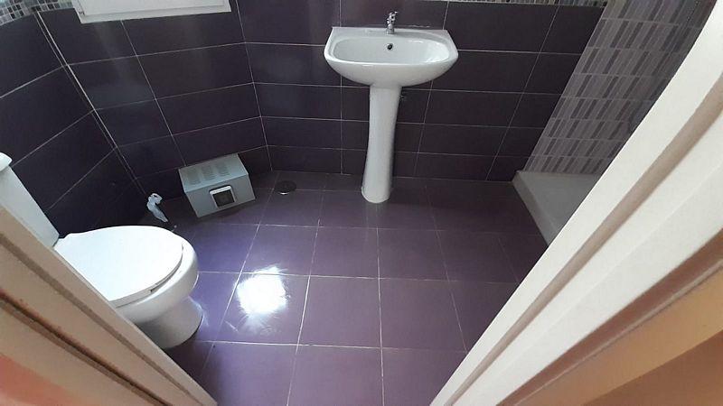 Piso en venta en Almedina, Almería, Almería, Calle Jose Maria Acosta, 101.000 €, 3 habitaciones, 2 baños, 91 m2