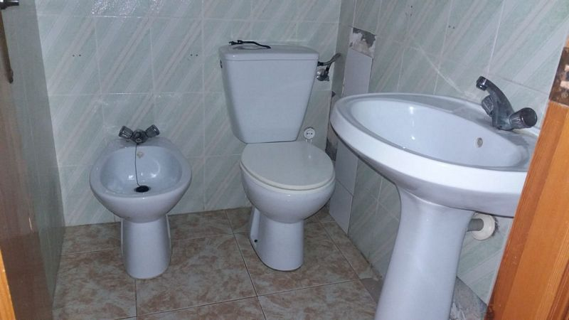 Piso en venta en San Miguel de Salinas, Alicante, Plaza Constitucion, 56.000 €, 3 habitaciones, 2 baños, 89 m2