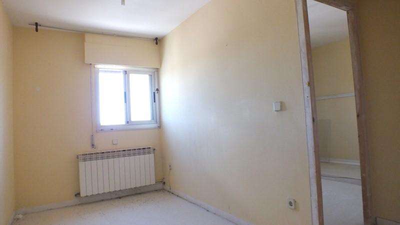 Piso en venta en Almazán, Soria, Plaza la Concordia, 39.900 €, 3 habitaciones, 1 baño, 85 m2