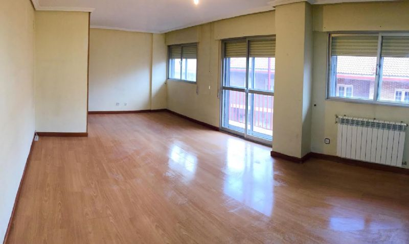 Piso en venta en Arroyo de la Encomienda, Valladolid, Calle Purificación Bezos, 100.000 €, 3 habitaciones, 2 baños, 47195 m2