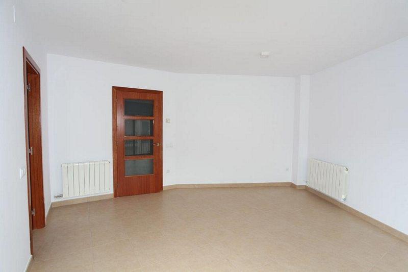 Piso en venta en Sant Martí Sesgueioles, Barcelona, Calle del Raval, 59.900 €, 3 habitaciones, 2 baños, 90 m2