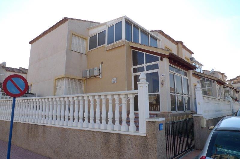 Piso en venta en Algorfa, Alicante, Calle Jazmin, 80.000 €, 3 habitaciones, 1 baño, 133 m2