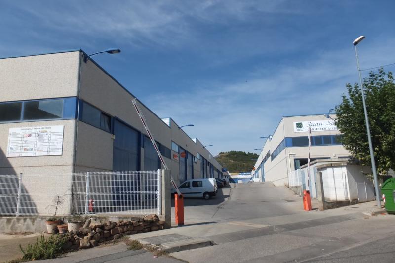 Industrial en venta en Lardero, La Rioja, Calle Pasada del Cristo, 299.000 €, 993 m2
