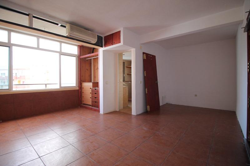 Piso en venta en Torremolinos, Málaga, Calle Eduardo Aguilera Romero, 78.000 €, 1 baño, 37 m2