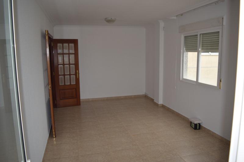 Piso en venta en Vilagarcía de Arousa, Pontevedra, Avenida Cambados, 91.000 €, 3 habitaciones, 2 baños, 112 m2