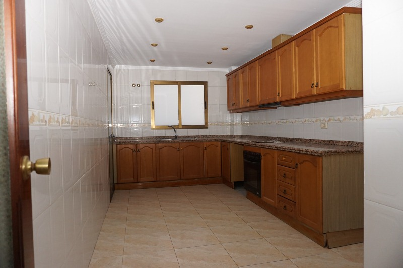 Piso en venta en Poblados Marítimos, Burriana, Castellón, Calle San Juan Bosco, 77.000 €, 4 habitaciones, 139 m2