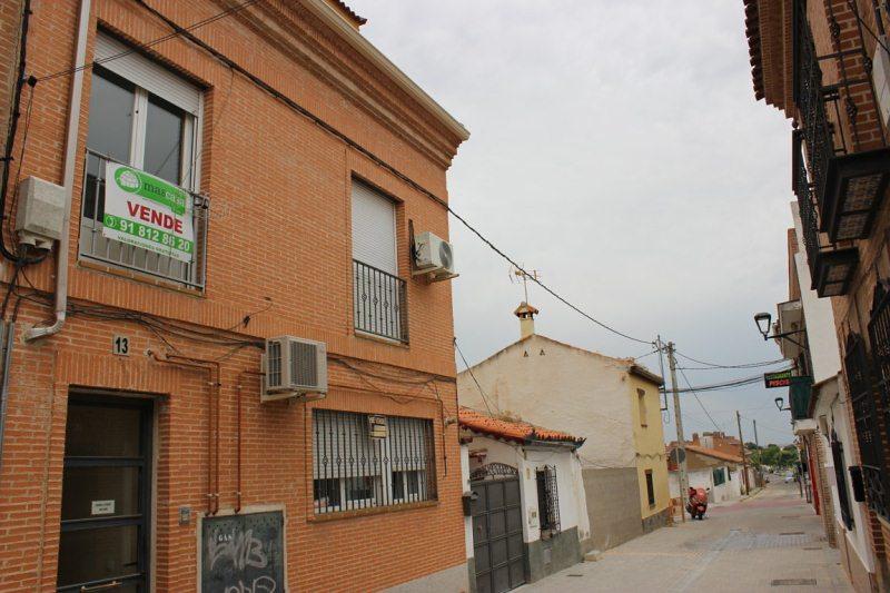 Piso en venta en Los Manantiales, Sevilla la Nueva, Madrid, Plaza de España, 133.000 €, 2 habitaciones, 1 baño, 102 m2