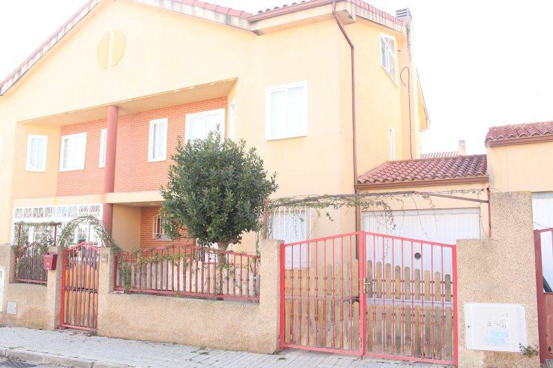 Piso en venta en Añover de Tajo, Añover de Tajo, Toledo, Calle Manuel Arnaiz, 133.000 €, 3 habitaciones, 2 baños, 203 m2