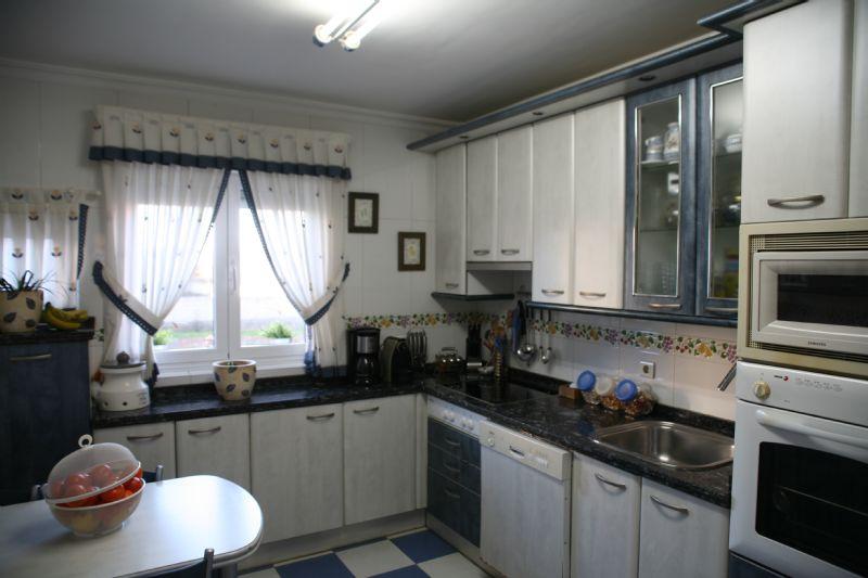 Casa en venta en Casa en San Andrés del Rabanedo, León, 189.000 €, 4 habitaciones, 3 baños, 240 m2