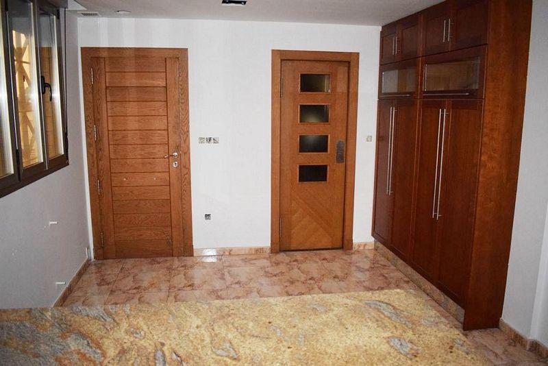 Casa en venta en Elche/elx, Alicante, Calle Moraira, 392.000 €, 9 habitaciones, 5 baños, 409 m2