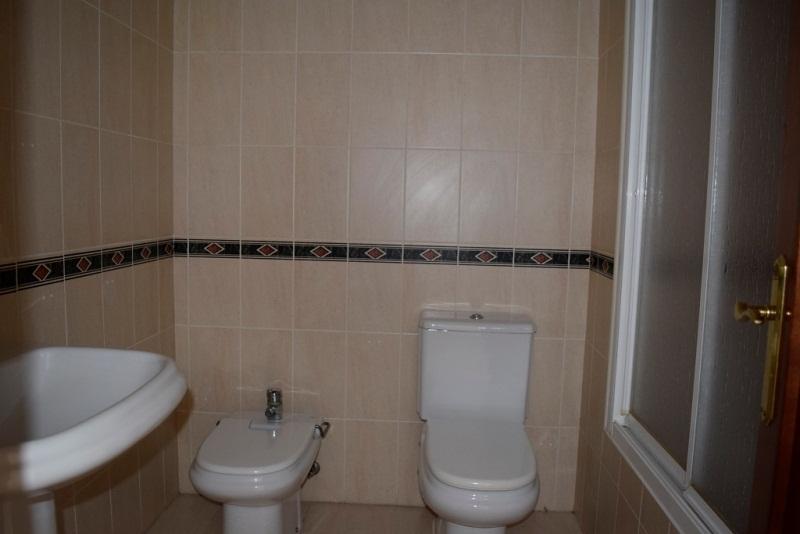 Piso en venta en Roquetas de Mar, Almería, Calle Príncipe de Asturias, 135.000 €, 3 habitaciones, 2 baños, 124 m2