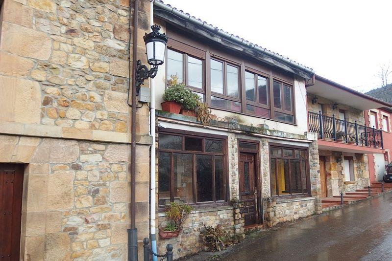 Casa en venta en Santa María de Cayón, Cantabria, Barrio Bascoña, 284.000 €, 3 habitaciones, 1 baño, 100,8 m2