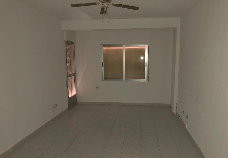 Piso en venta en Reyes Católicos, Alcalá de Henares, Madrid, Calle Pedro de Valdivia, 83.000 €, 3 habitaciones, 1 baño, 89 m2