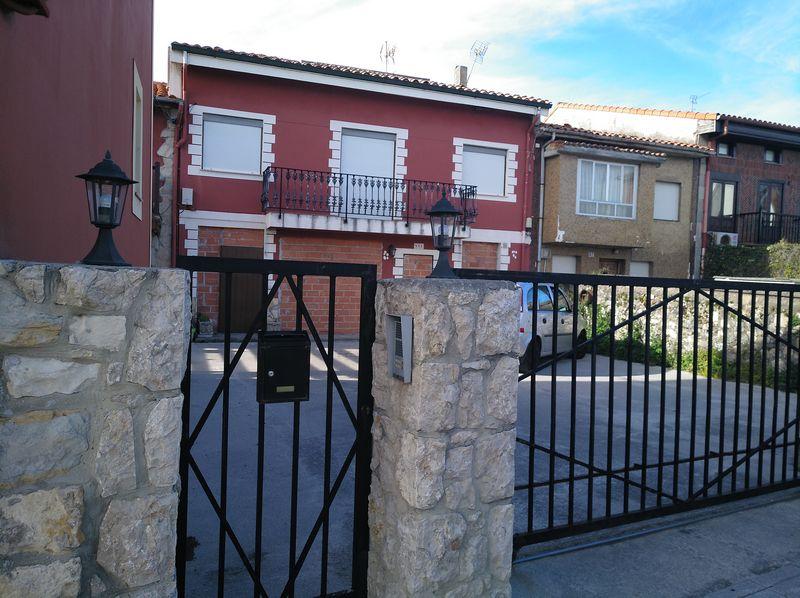 Casa en venta en Marqués de Valdecilla, Santander, Cantabria, Calle Arriba, 427.000 €, 2 habitaciones, 2 baños, 123,11 m2