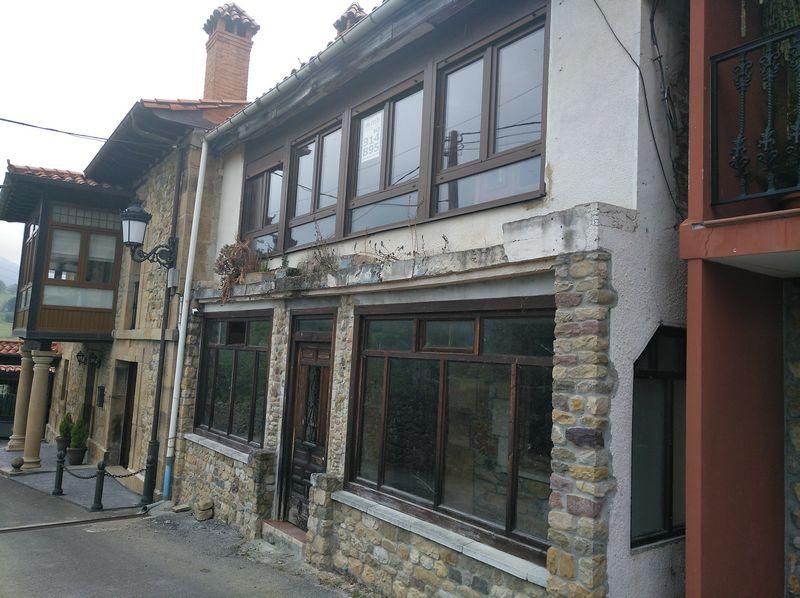 Casa en venta en Los Corrales de Buelna, Cantabria, Barrio Bv Coo-barcena, 350.000 €, 4 habitaciones, 2 baños, 318,6 m2