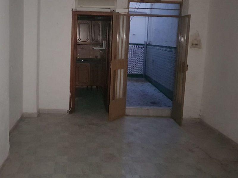 Piso en venta en Lucena, Córdoba, Calle Alamos, 84.000 €, 4 habitaciones, 2 baños, 156 m2