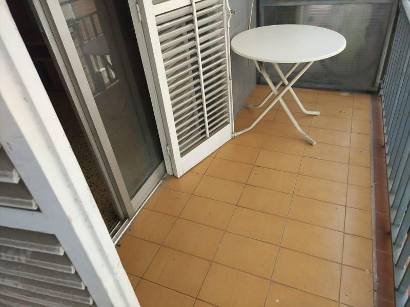 Piso en venta en Tarragona, Tarragona, Calle de Jaume I, 130.000 €, 4 habitaciones, 1 baño, 104 m2