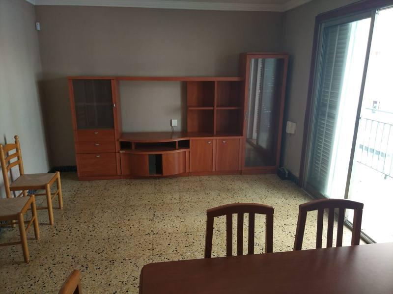 Piso en venta en Piso en Tarragona, Tarragona, 130.000 €, 4 habitaciones, 1 baño, 104 m2