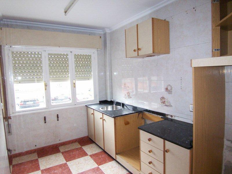 Piso en venta en Riañu, Langreo, Asturias, Calle Poligono de Riaño, 49.000 €, 3 habitaciones, 1 baño, 90 m2