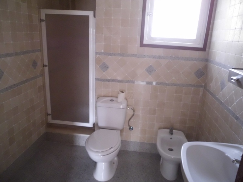 Piso en venta en Novelda, Alicante, Calle Luis Vives, 38.000 €, 3 habitaciones, 1 baño, 84 m2