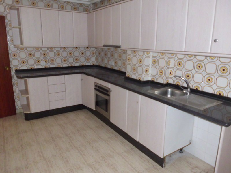 Piso en venta en Aspe, Alicante, Calle Doctor Marañon, 67.000 €, 4 habitaciones, 1 baño, 122 m2