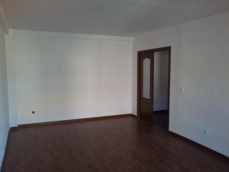 Piso en venta en Mérida, Mérida, Badajoz, Calle Vespasiano, 102.000 €, 4 habitaciones, 2 baños, 125 m2