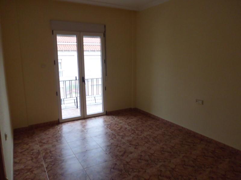 Piso en venta en Caudete, Albacete, Calle Jose Ruiz Ruiz, 56.000 €, 4 habitaciones, 2 baños, 122 m2