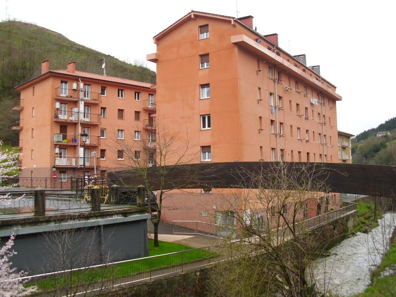 Piso en venta en Antzuola, Guipúzcoa, Calle Beheko Auzoa, 120.000 €, 2 habitaciones, 1 baño, 74 m2
