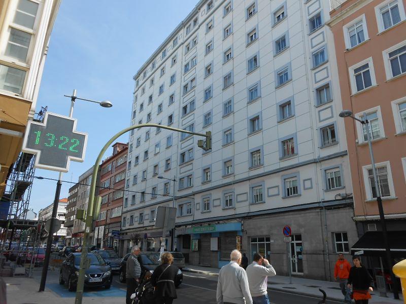 Piso en venta en Ensanche A., Ferrol, A Coruña, Carretera de Castilla, 79.000 €, 3 habitaciones, 1 baño, 91 m2