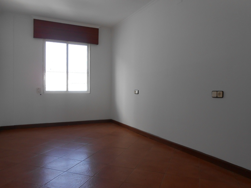 Piso en venta en Piso en Ferrol, A Coruña, 79.000 €, 3 habitaciones, 1 baño, 91 m2