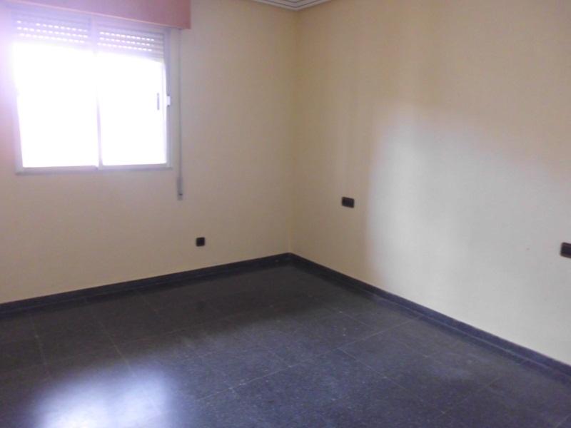 Piso en venta en La Roda, Albacete, Calle Zorrilla, 70.000 €, 3 habitaciones, 2 baños, 126 m2