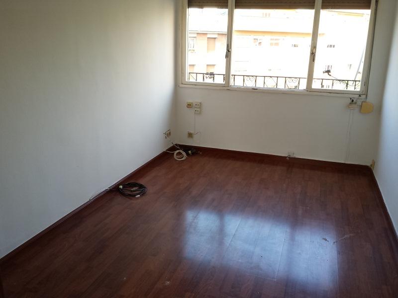 Piso en venta en Masip, Oviedo, Asturias, Calle Vazquez de Mella, 42.000 €, 2 habitaciones, 1 baño, 66 m2