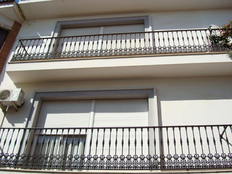 Piso en venta en Moriles, Córdoba, Calle la Cochera, 69.900 €, 4 habitaciones, 2 baños, 138 m2