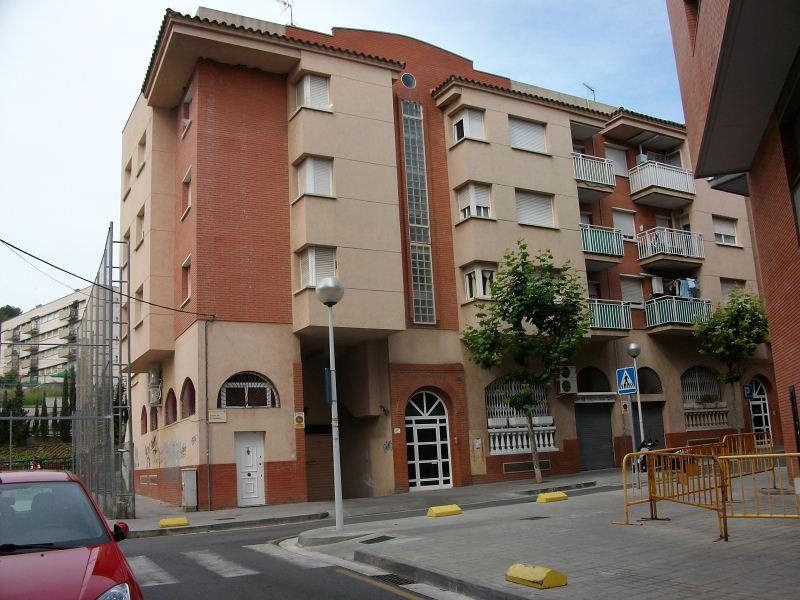 Piso en venta en Sant Andreu de la Barca, Barcelona, Calle Sardana, 131.000 €, 2 habitaciones, 1 baño, 74 m2