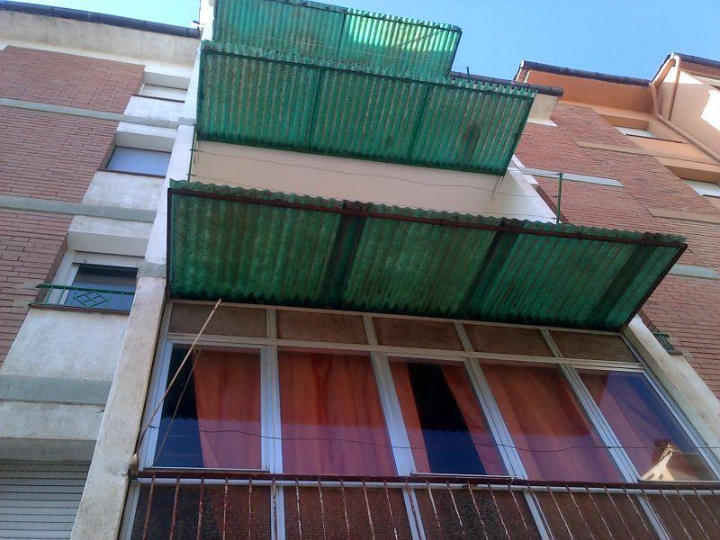 Piso en venta en Torelló, Barcelona, Calle los Pinos, 69.000 €, 4 habitaciones, 1 baño, 85 m2