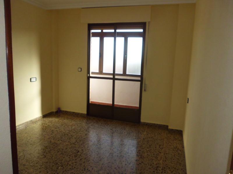 Piso en venta en Piso en Caudete, Albacete, 60.500 €, 4 habitaciones, 2 baños, 113 m2