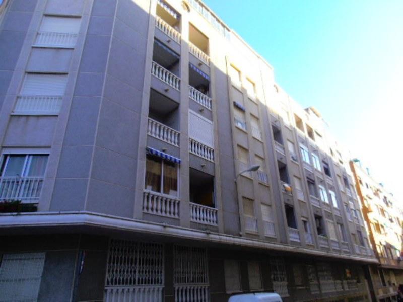 Piso en venta en Torrevieja, Alicante, Calle los Gases, 48.200 €, 2 habitaciones, 1 baño, 61 m2