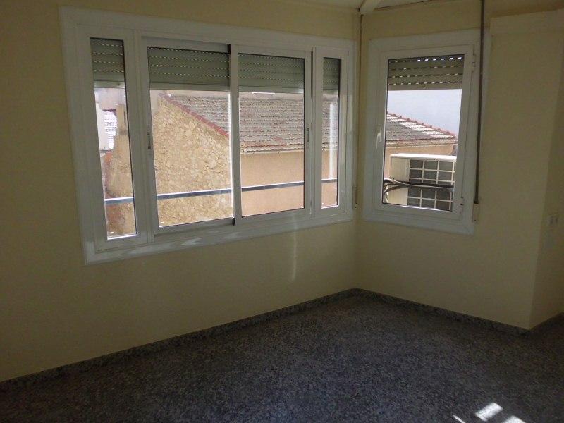Piso en venta en Novelda, Alicante, Calle Menendez Pelayo, 76.500 €, 4 habitaciones, 1 baño, 129 m2