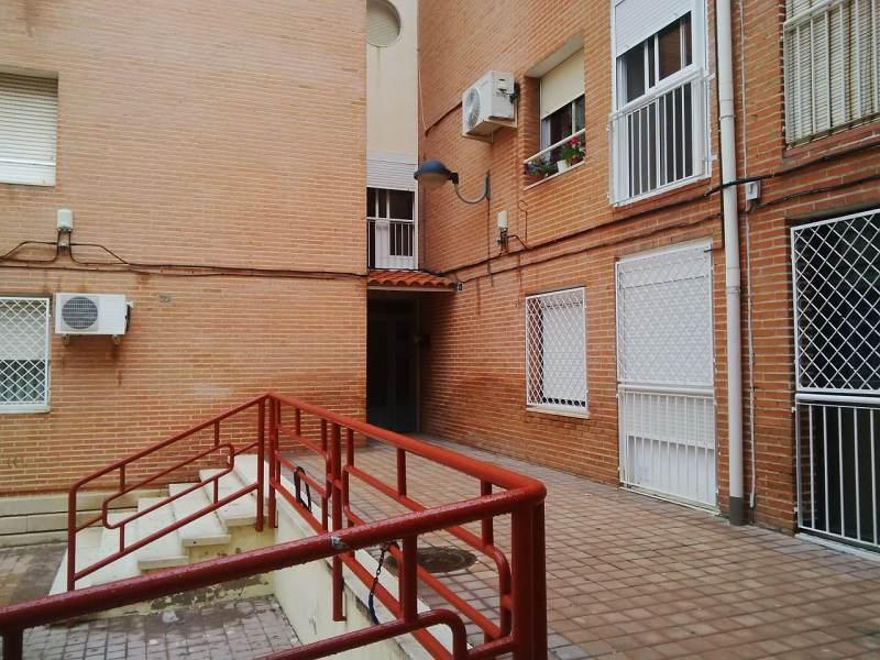 Piso en venta en Puertollano, Ciudad Real, Plaza Abenojar, 22.900 €, 3 habitaciones, 1 baño, 82 m2