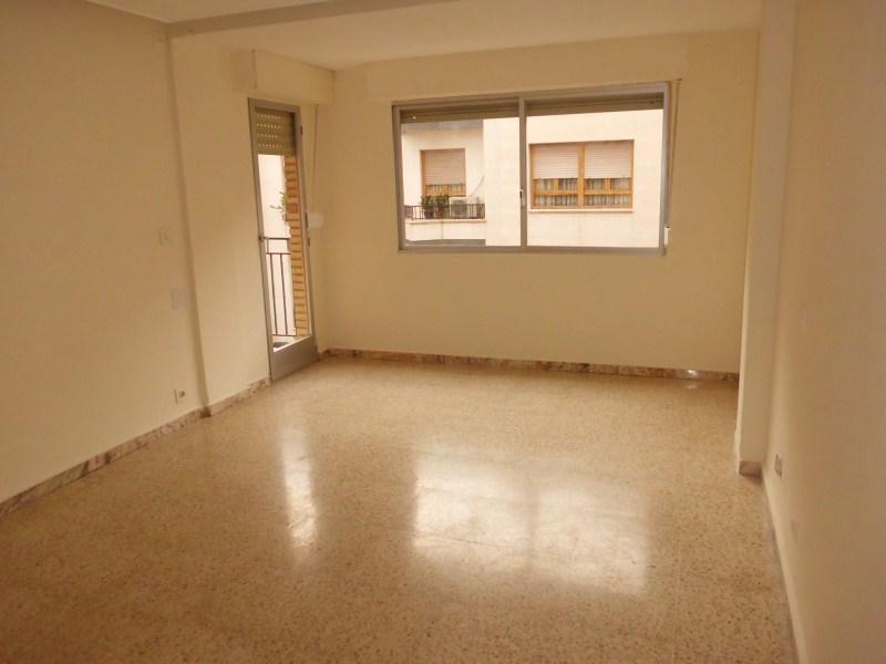 Piso en venta en Novelda, Alicante, Calle Cervantes, 75.000 €, 3 habitaciones, 1 baño, 107 m2