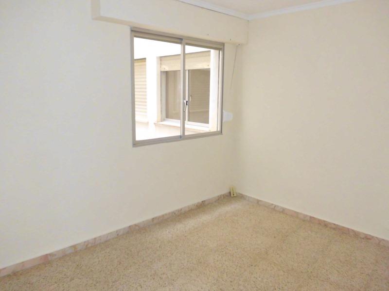 Piso en venta en Piso en Novelda, Alicante, 75.000 €, 3 habitaciones, 1 baño, 107 m2