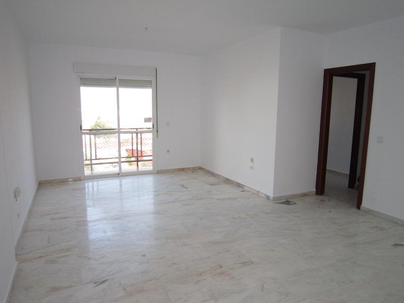 Piso en venta en Punta Carnero, Algeciras, Cádiz, Calle Jose de Espronceda- Rsdal. la Gardenias (pzt 36), 65.500 €, 3 habitaciones, 2 baños, 105 m2
