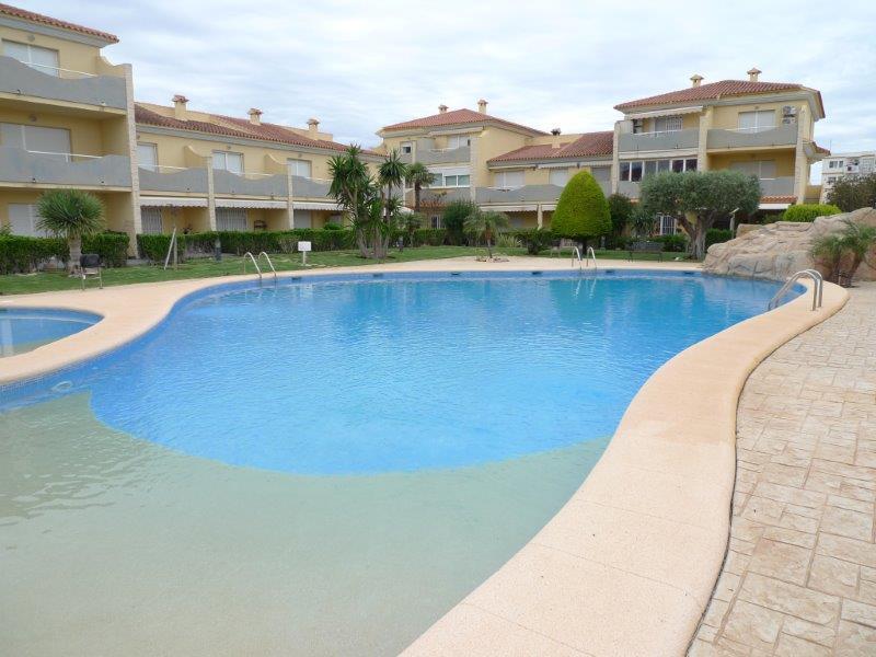 Piso en venta en Dénia, Alicante, Calle Pinsa, 210.000 €, 3 habitaciones, 1 baño, 110 m2