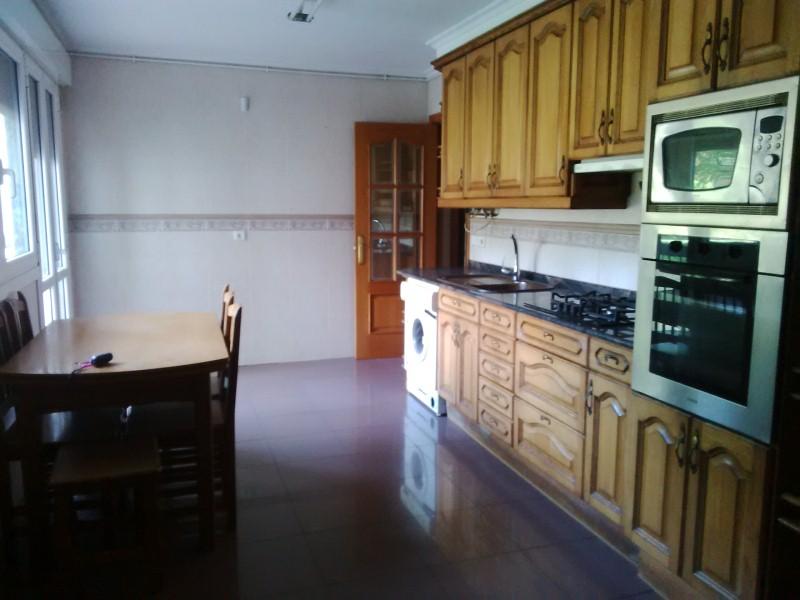 Piso en venta en Urrestilla, Azpeitia, Guipúzcoa, Calle Garmendi-gain Area Hiribidea, 184.000 €, 3 habitaciones, 1 baño, 110 m2