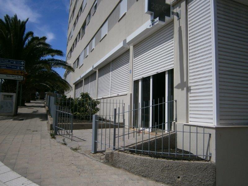 Local en venta en Santa Cruz de Tenerife, Santa Cruz de Tenerife, Calle Nisamar, 165.000 €, 235 m2