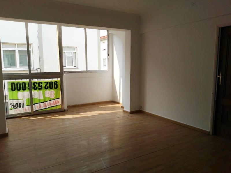 Piso en venta en Narón, A Coruña, Calle Rua Rio Sor, 32.000 €, 3 habitaciones, 1 baño, 71 m2